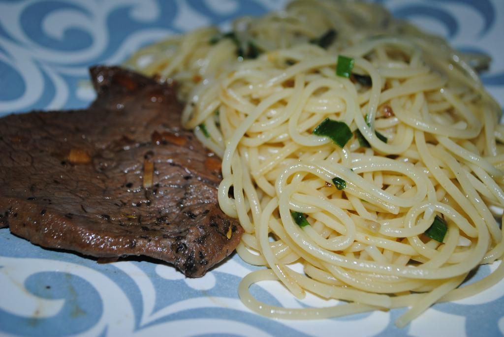 Filé mignon / Spaguetti ao alho e óleo